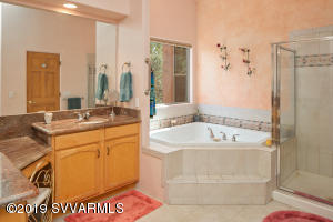 MASTER BATH WITH JETTED TUB & SHOWER