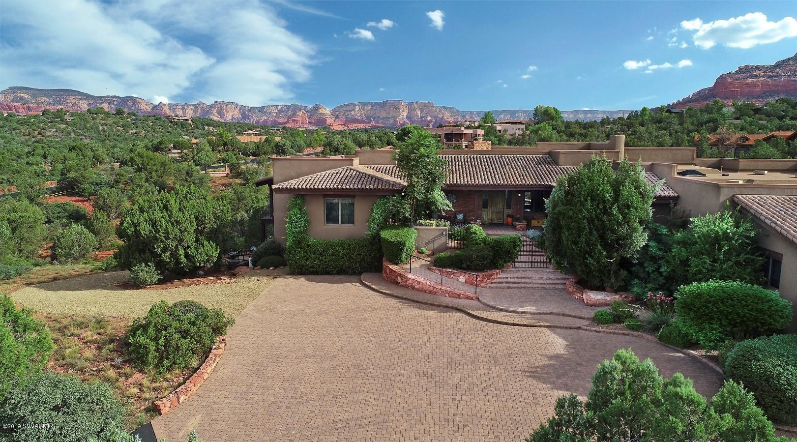 Photo of 41 E Dove Wing Drive, Sedona, AZ 86336