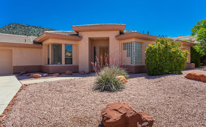 Photo of 690 Crown Ridge Rd, Sedona, AZ 86351