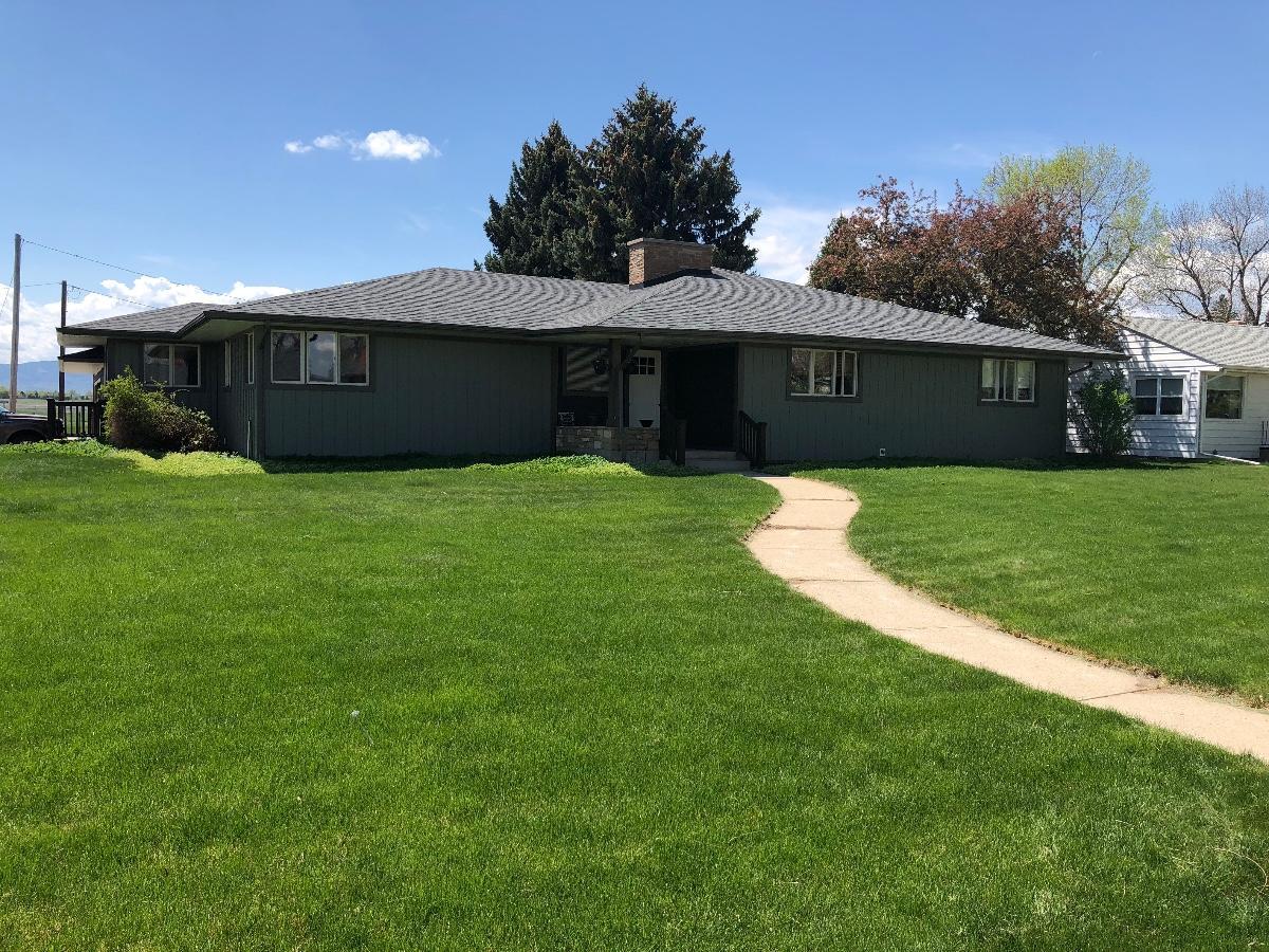 1112 Victoria Street, Sheridan, Wyoming 82801, 4 Bedrooms Bedrooms, ,3 BathroomsBathrooms,Residential,For Sale,Victoria,18-531