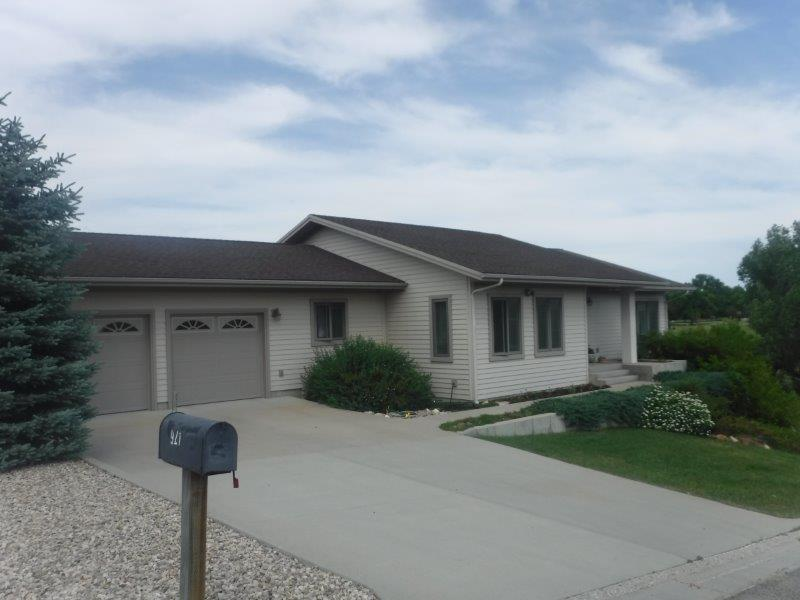 921 Erie Drive, Buffalo, Wyoming 82834, 4 Bedrooms Bedrooms, ,3 BathroomsBathrooms,Residential,For Sale,Erie,18-677