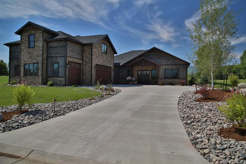 2 Cypress Point, Sheridan, Wyoming 82801, 4 Bedrooms Bedrooms, ,4.5 BathroomsBathrooms,Residential,For Sale,Cypress,18-57