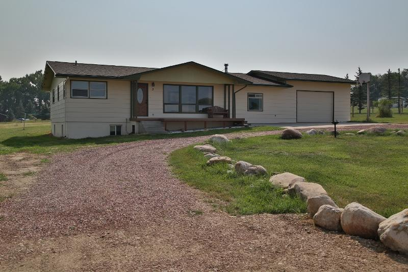 3 South Drive, Sheridan, Wyoming 82801, 5 Bedrooms Bedrooms, ,2.5 BathroomsBathrooms,Residential,For Sale,South,18-914