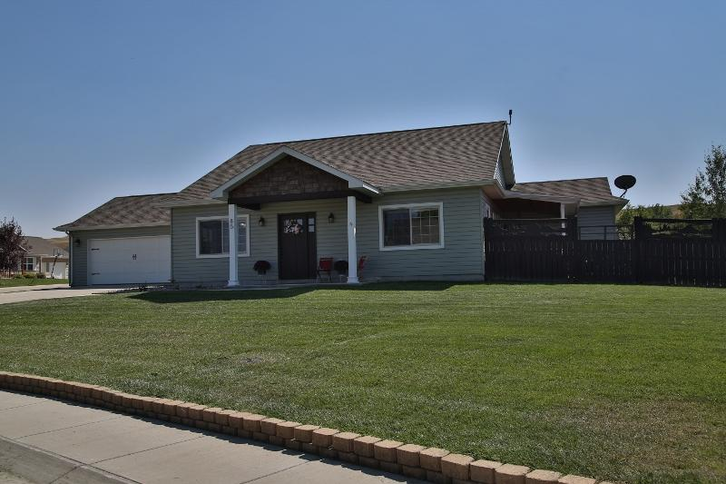 85 Eagle Rock Drive, Dayton, Wyoming 82836, 3 Bedrooms Bedrooms, ,2 BathroomsBathrooms,Residential,For Sale,Eagle Rock,18-981