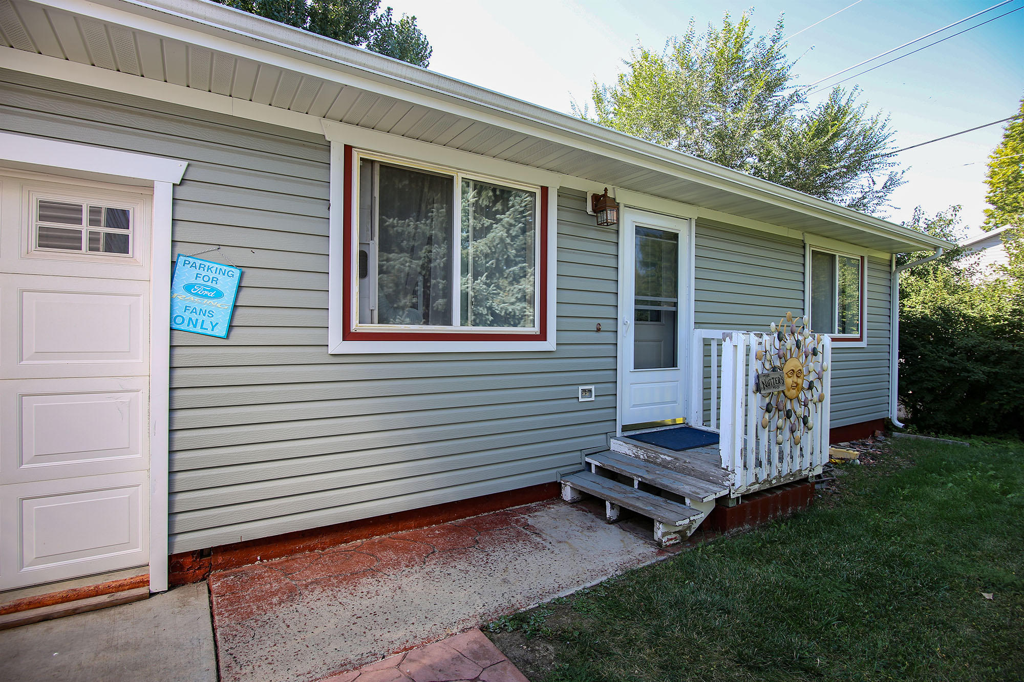 236 9th Street, Sheridan, Wyoming 82801, 2 Bedrooms Bedrooms, ,1 BathroomBathrooms,Residential,For Sale,9th,18-986