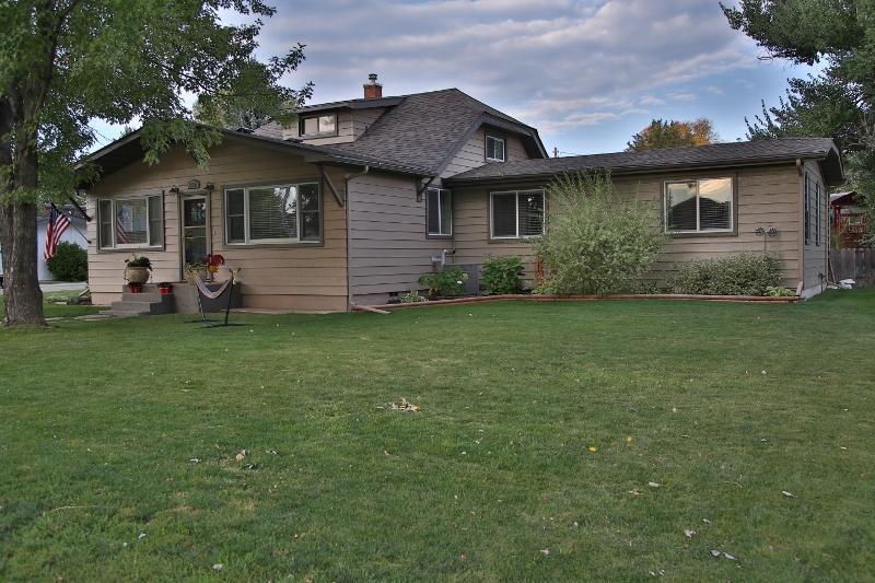 356 Coffeen Street, Ranchester, Wyoming 82839, 5 Bedrooms Bedrooms, ,3 BathroomsBathrooms,Residential,For Sale,Coffeen,18-999