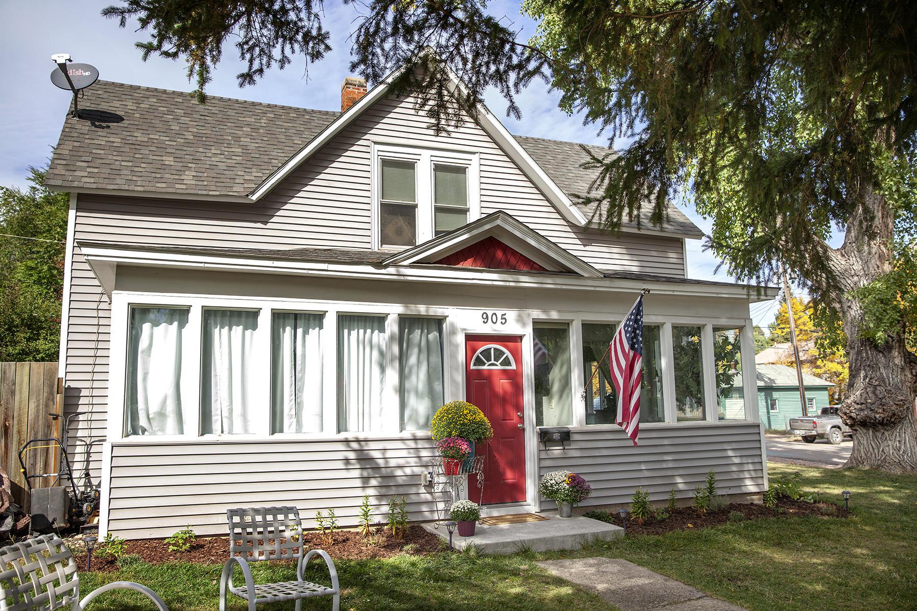 905 Loucks Street, Sheridan, Wyoming 82801, 6 Bedrooms Bedrooms, ,2 BathroomsBathrooms,Residential,For Sale,Loucks,18-1046