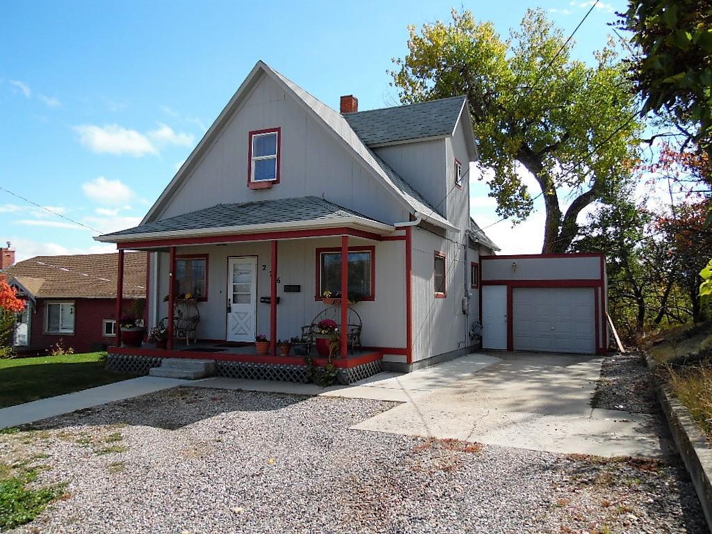 276 Lewis Street, Sheridan, Wyoming 82801, 2 Bedrooms Bedrooms, ,1.5 BathroomsBathrooms,Residential,For Sale,Lewis,18-1051