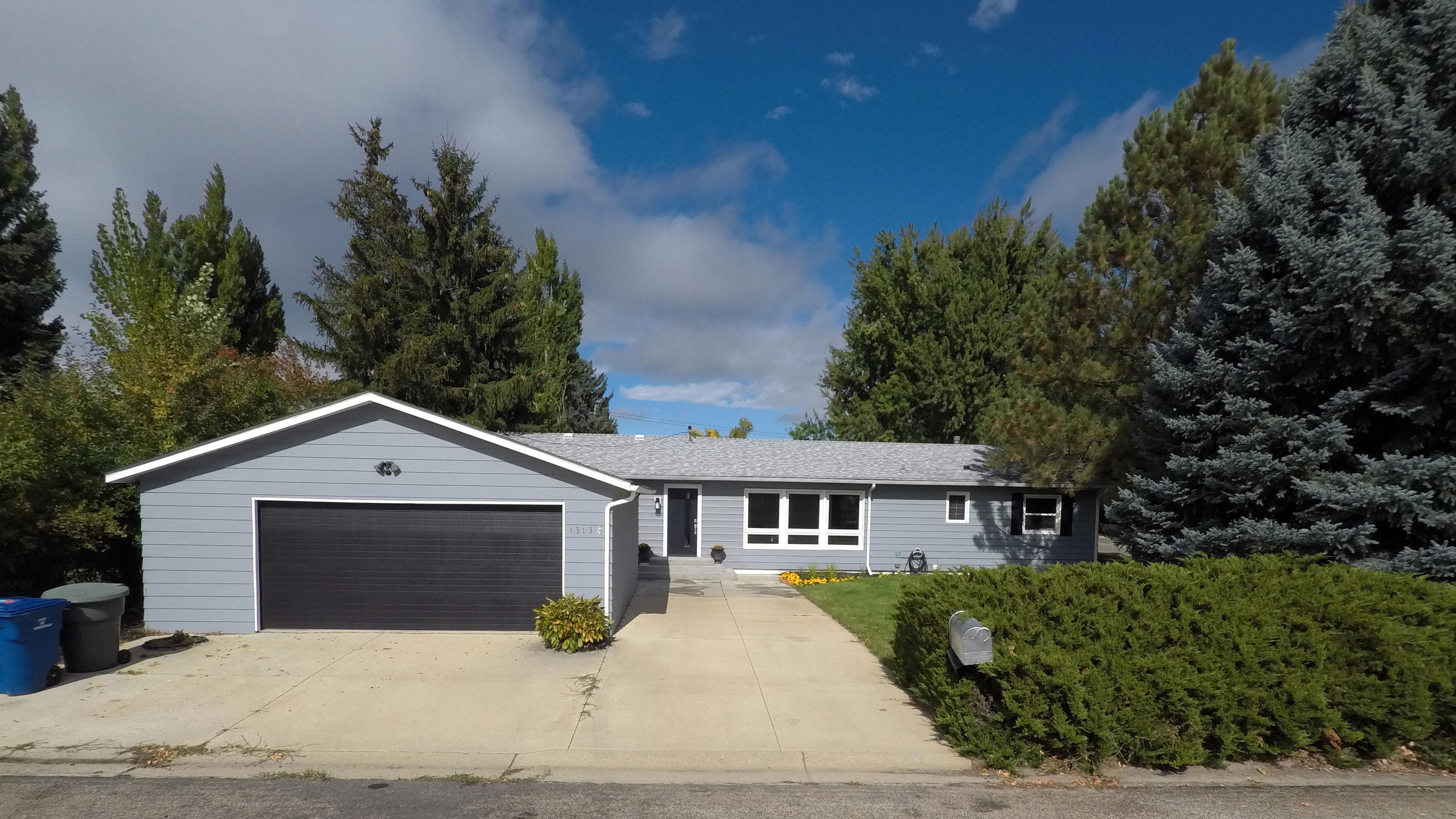 1313 Gage Place, Sheridan, Wyoming 82801, 5 Bedrooms Bedrooms, ,2 BathroomsBathrooms,Residential,For Sale,Gage,18-1039