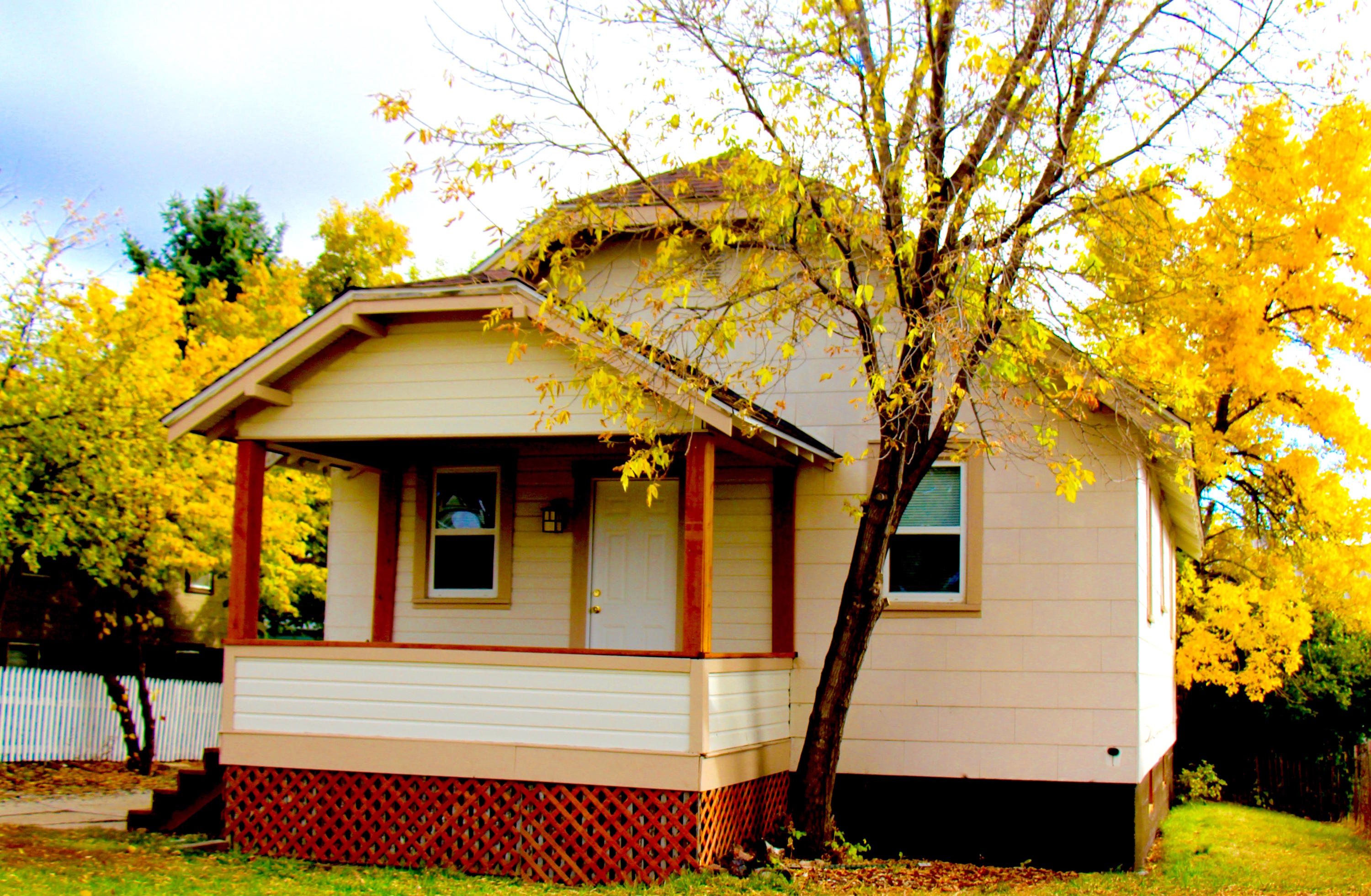 624 6th Street, Sheridan, Wyoming 82801, 2 Bedrooms Bedrooms, ,1 BathroomBathrooms,Residential,For Sale,6th,18-1096