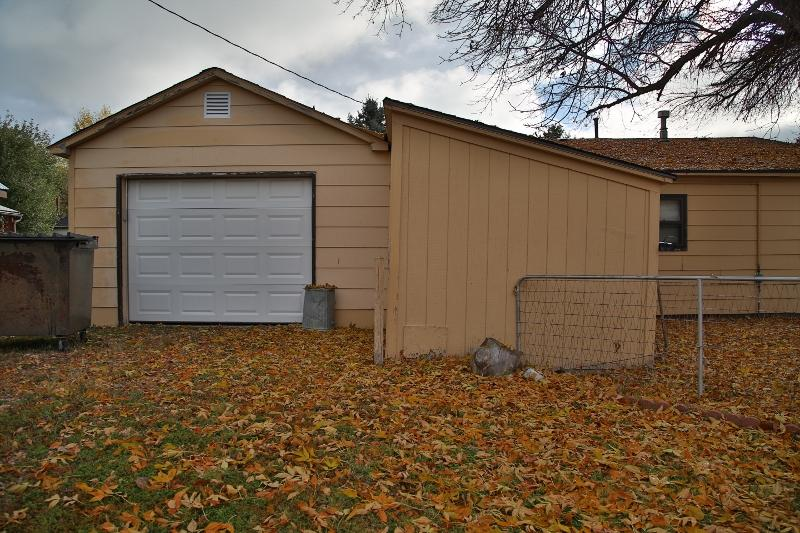 220 River Road, Dayton, Wyoming 82836, 2 Bedrooms Bedrooms, ,1 BathroomBathrooms,Residential,For Sale,River,18-1101