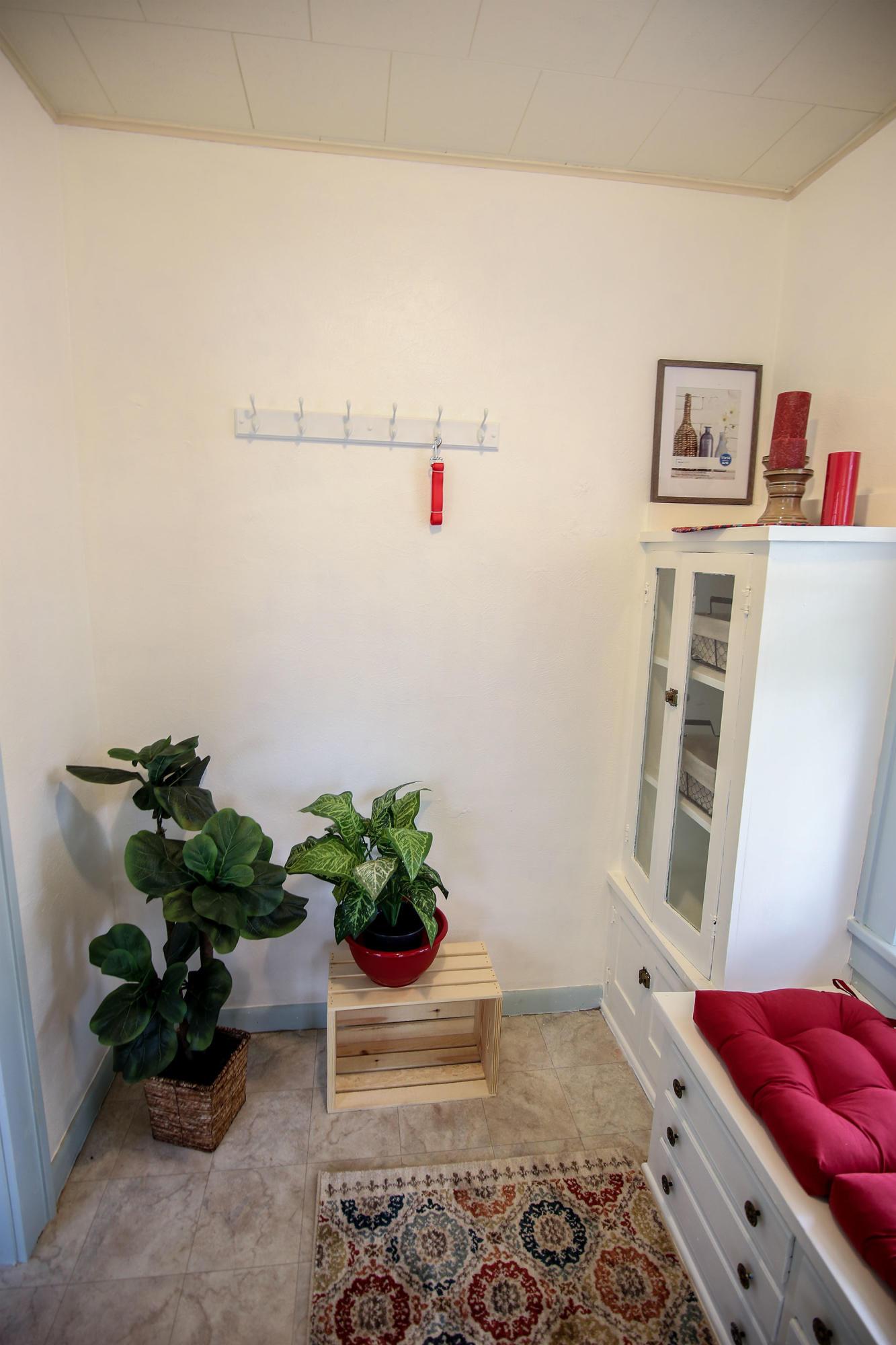 929 Thurmond Street, Sheridan, Wyoming 82801, 2 Bedrooms Bedrooms, ,1 BathroomBathrooms,Residential,For Sale,Thurmond,18-1014