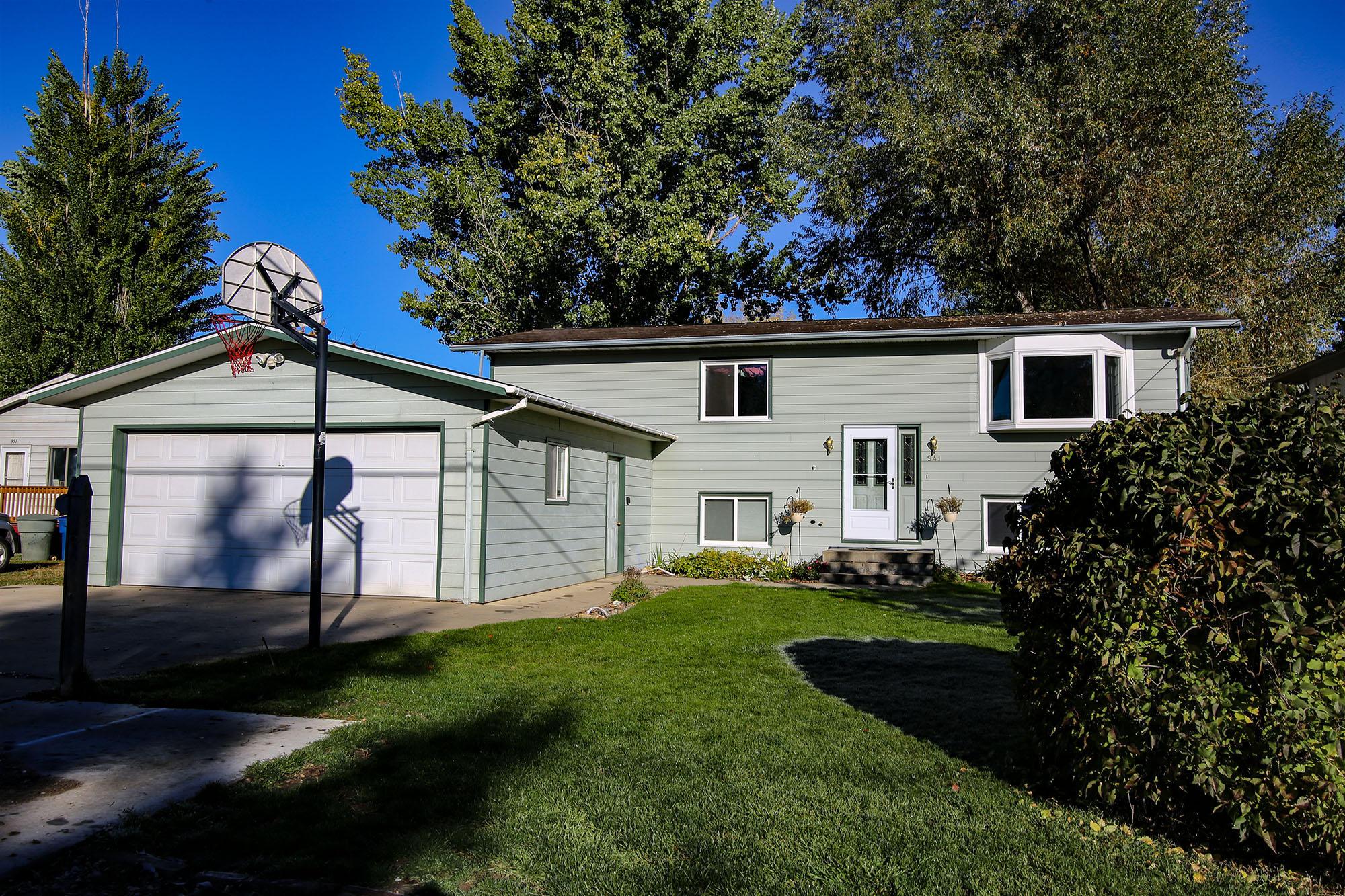 941 Leopard Street, Sheridan, Wyoming 82801, 5 Bedrooms Bedrooms, ,2 BathroomsBathrooms,Residential,For Sale,Leopard,18-1109