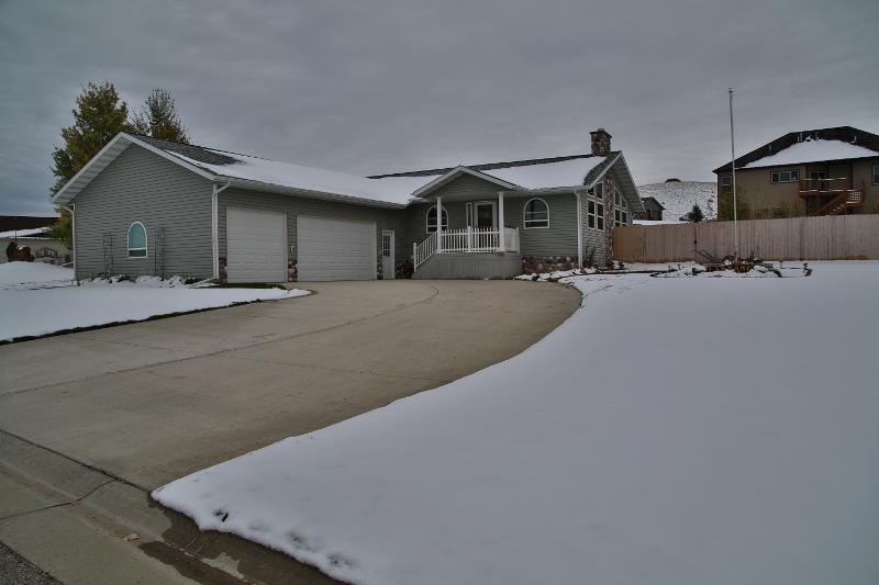 44 Little Tongue Drive, Dayton, Wyoming 82836, 5 Bedrooms Bedrooms, ,3 BathroomsBathrooms,Residential,For Sale,Little Tongue,18-1110