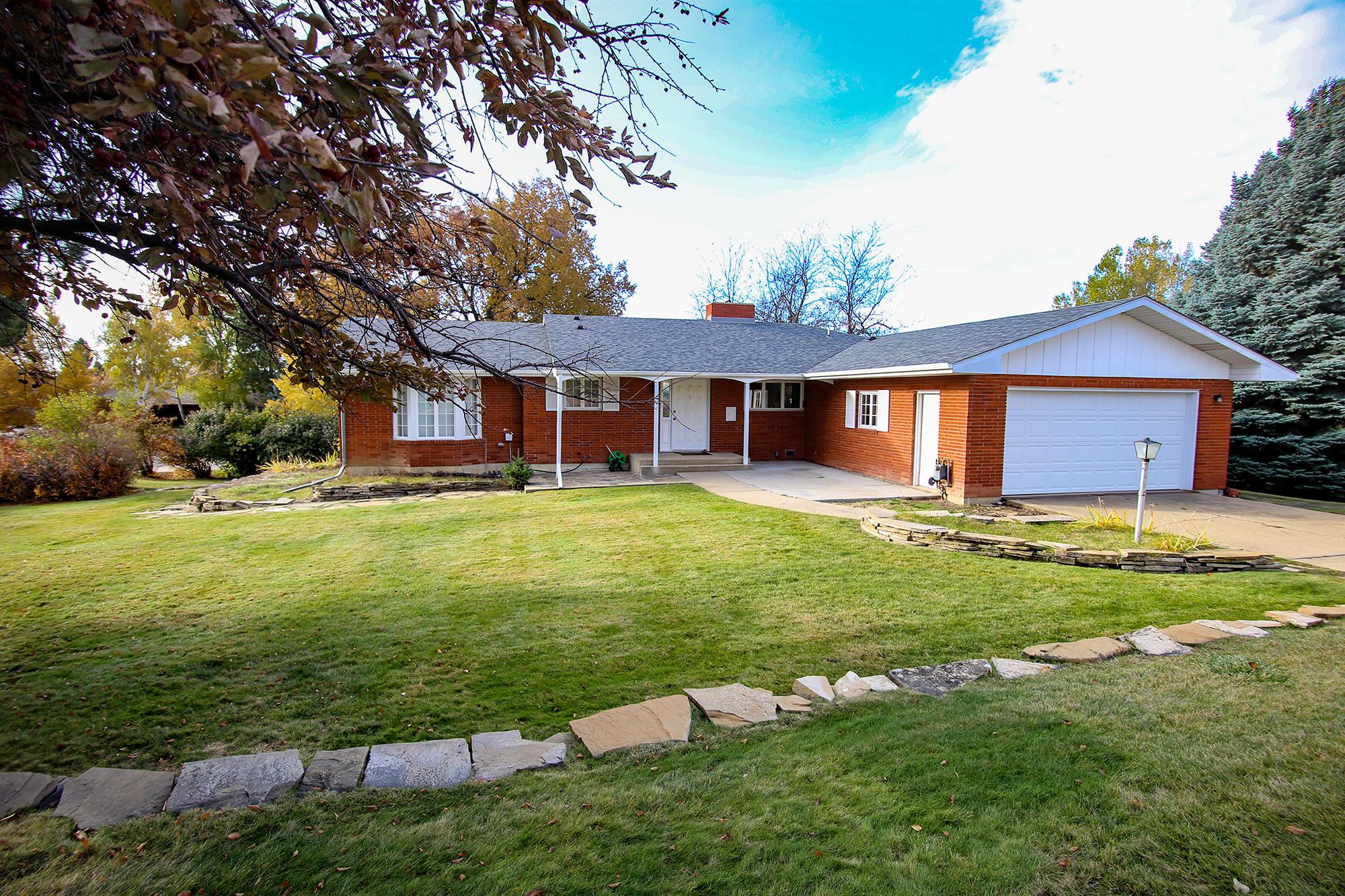 410 Crescent Drive, Sheridan, Wyoming 82801, 6 Bedrooms Bedrooms, ,3.5 BathroomsBathrooms,Residential,For Sale,Crescent,18-1117