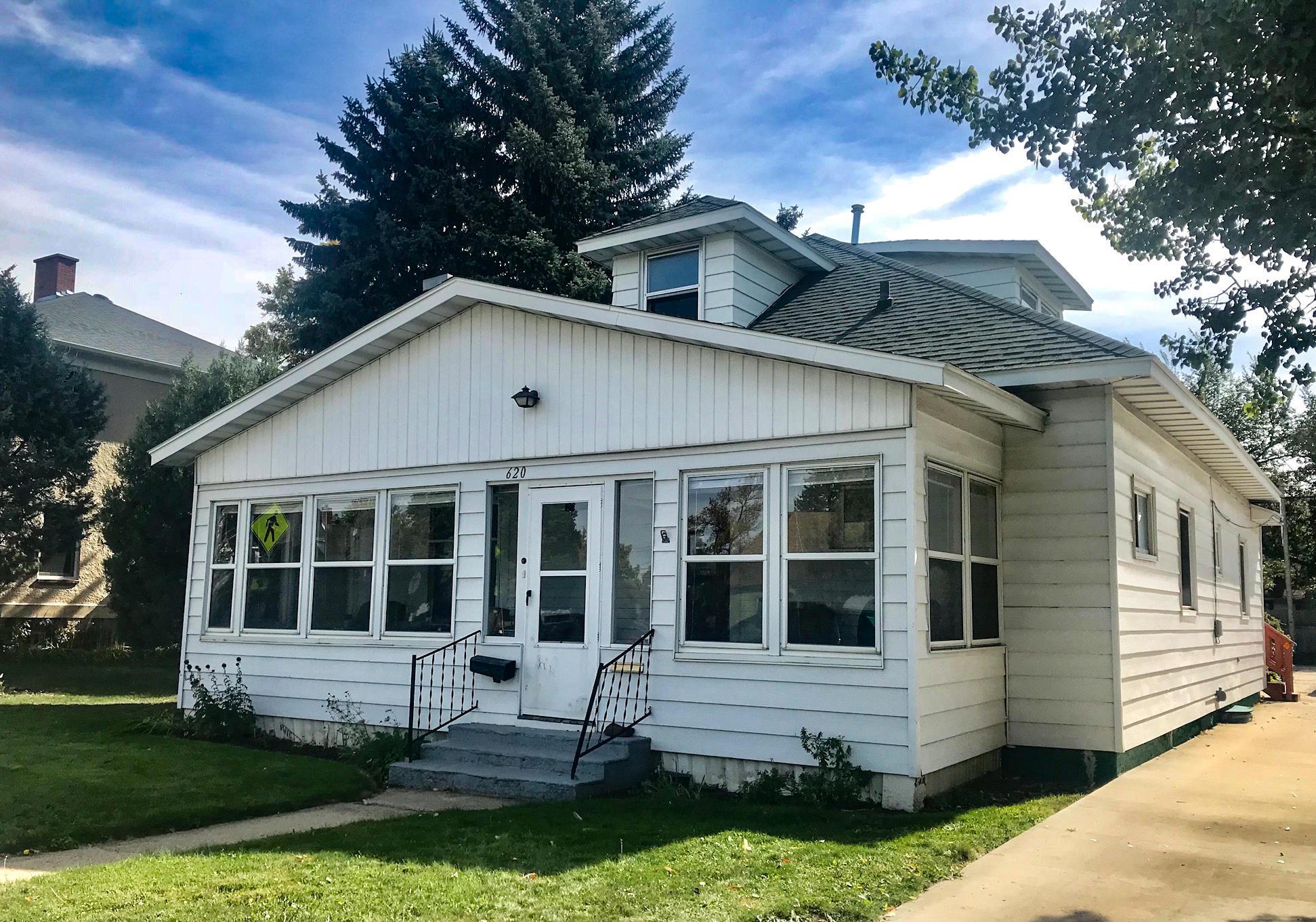 620 Loucks Street, Sheridan, Wyoming 82801, ,Multi-Unit,For Sale,Loucks,18-1121