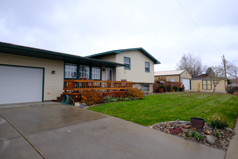 912 Dunnuck Street, Sheridan, Wyoming 82801, 3 Bedrooms Bedrooms, ,2.5 BathroomsBathrooms,Residential,For Sale,Dunnuck,18-1136
