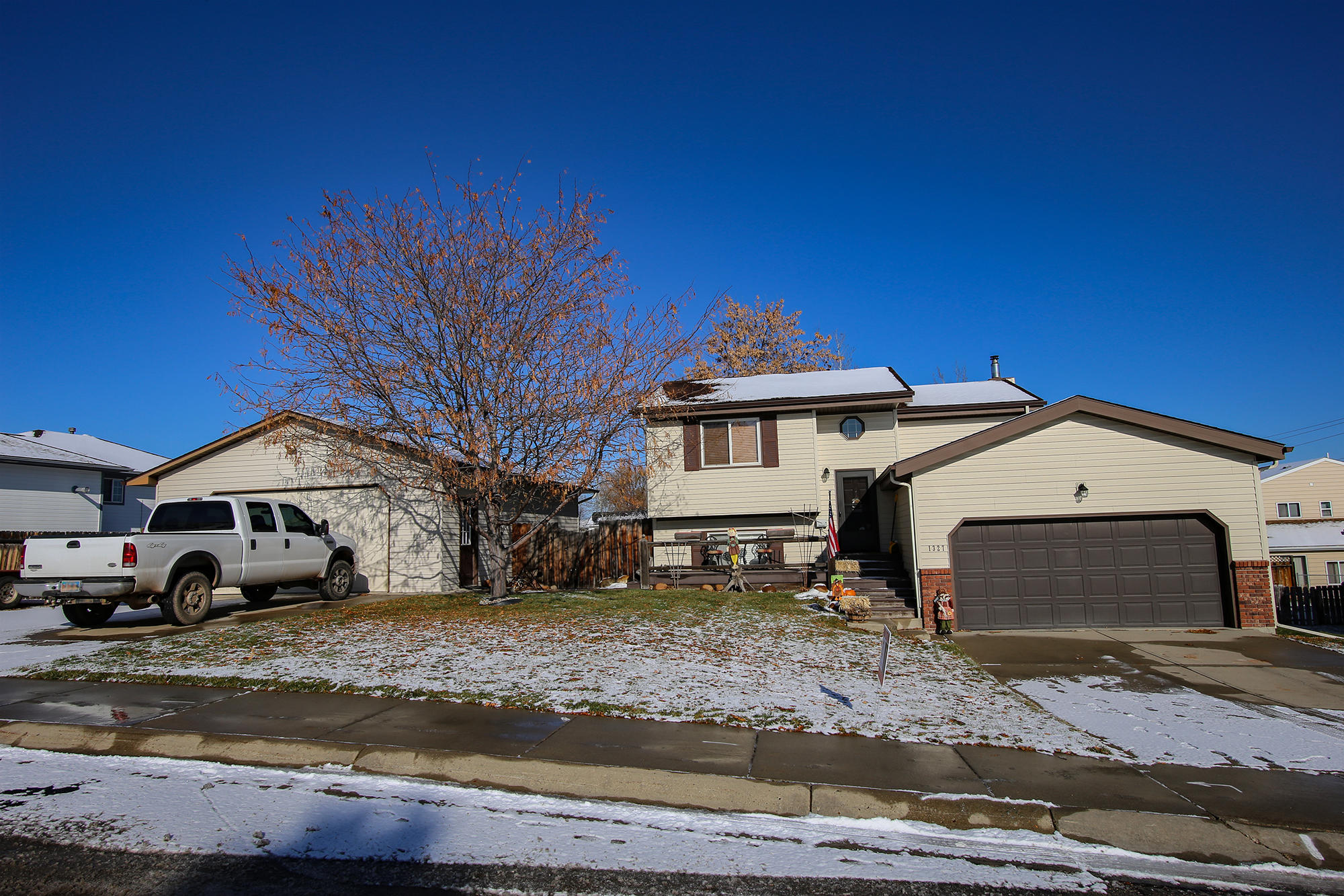 1327 Hillpond Drive, Sheridan, Wyoming 82801, 3 Bedrooms Bedrooms, ,2 BathroomsBathrooms,Residential,For Sale,Hillpond,18-1164