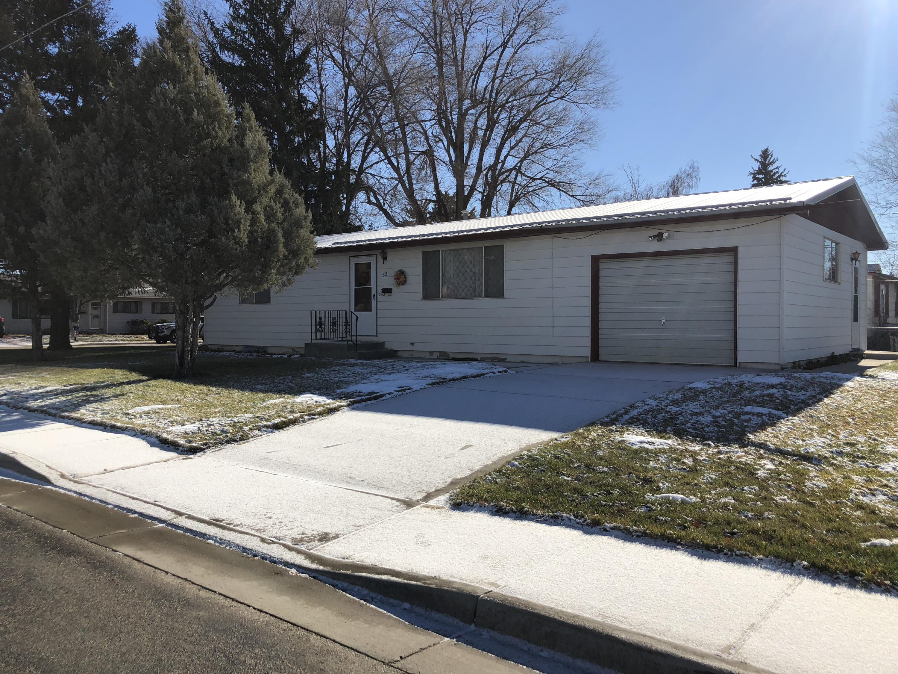 52 10th Street, Sheridan, Wyoming 82801, 2 Bedrooms Bedrooms, ,1 BathroomBathrooms,Residential,For Sale,10th,18-1179
