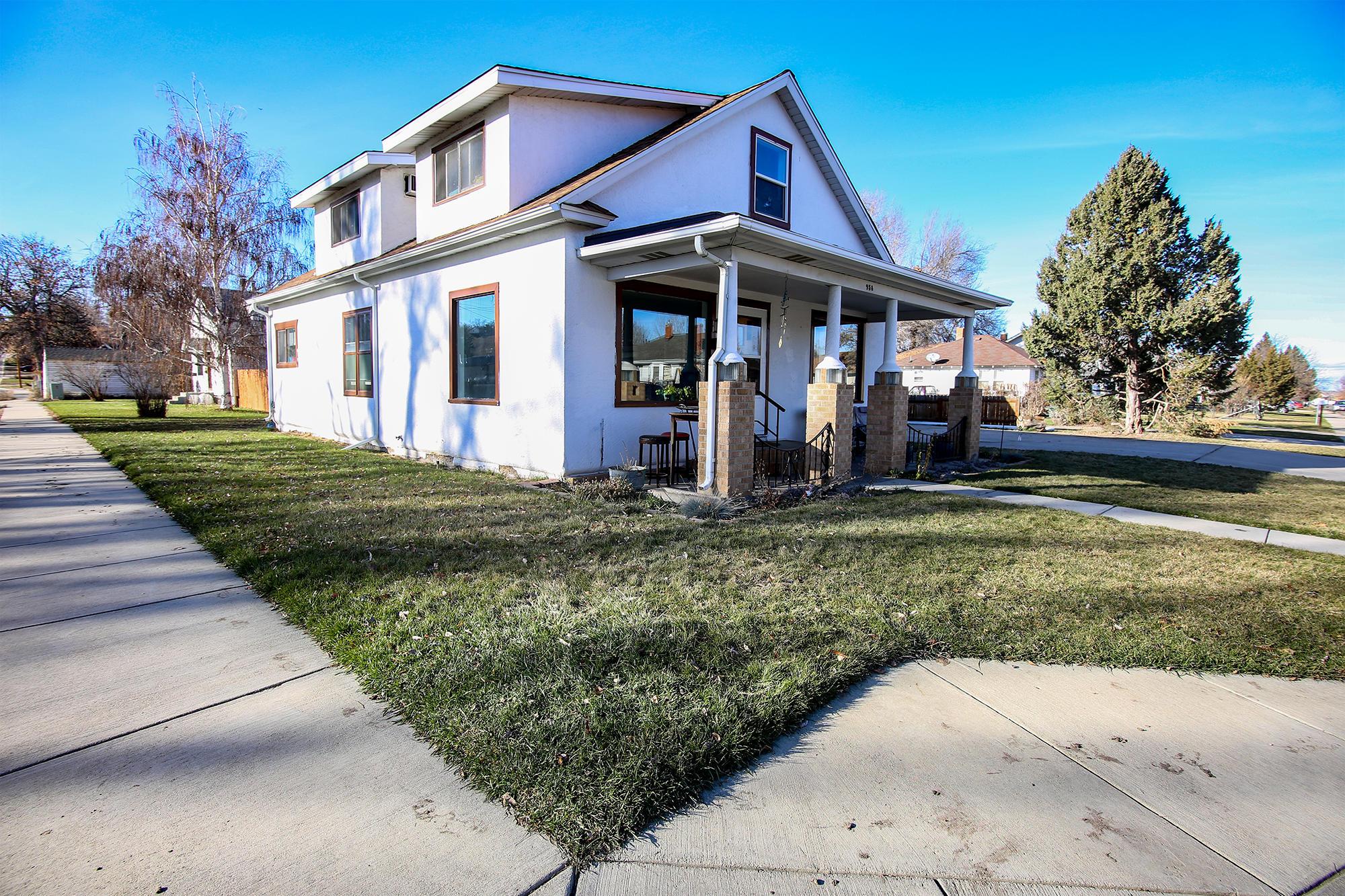 958 Sumner Street, Sheridan, Wyoming 82801, 5 Bedrooms Bedrooms, ,2 BathroomsBathrooms,Residential,For Sale,Sumner,18-1206