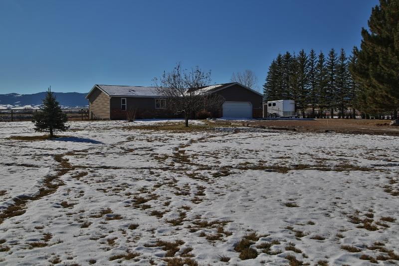 20 Taxi Drive, Sheridan, Wyoming 82801, 3 Bedrooms Bedrooms, ,2 BathroomsBathrooms,Residential,For Sale,Taxi,18-1211