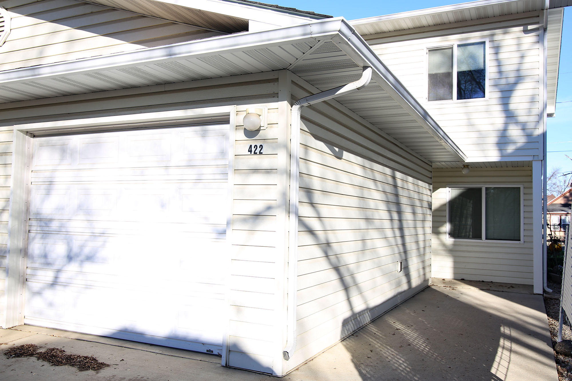 422 Sheridan Avenue, Sheridan, Wyoming 82801, 2 Bedrooms Bedrooms, ,1.5 BathroomsBathrooms,Residential,For Sale,Sheridan,18-1240