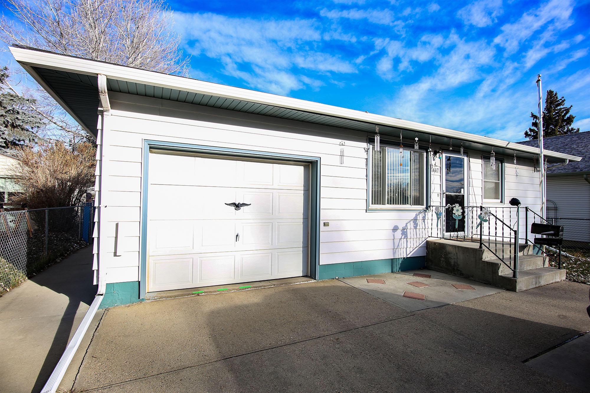 1447 Victoria Street, Sheridan, Wyoming 82801, 2 Bedrooms Bedrooms, ,2 BathroomsBathrooms,Residential,For Sale,Victoria,18-1245