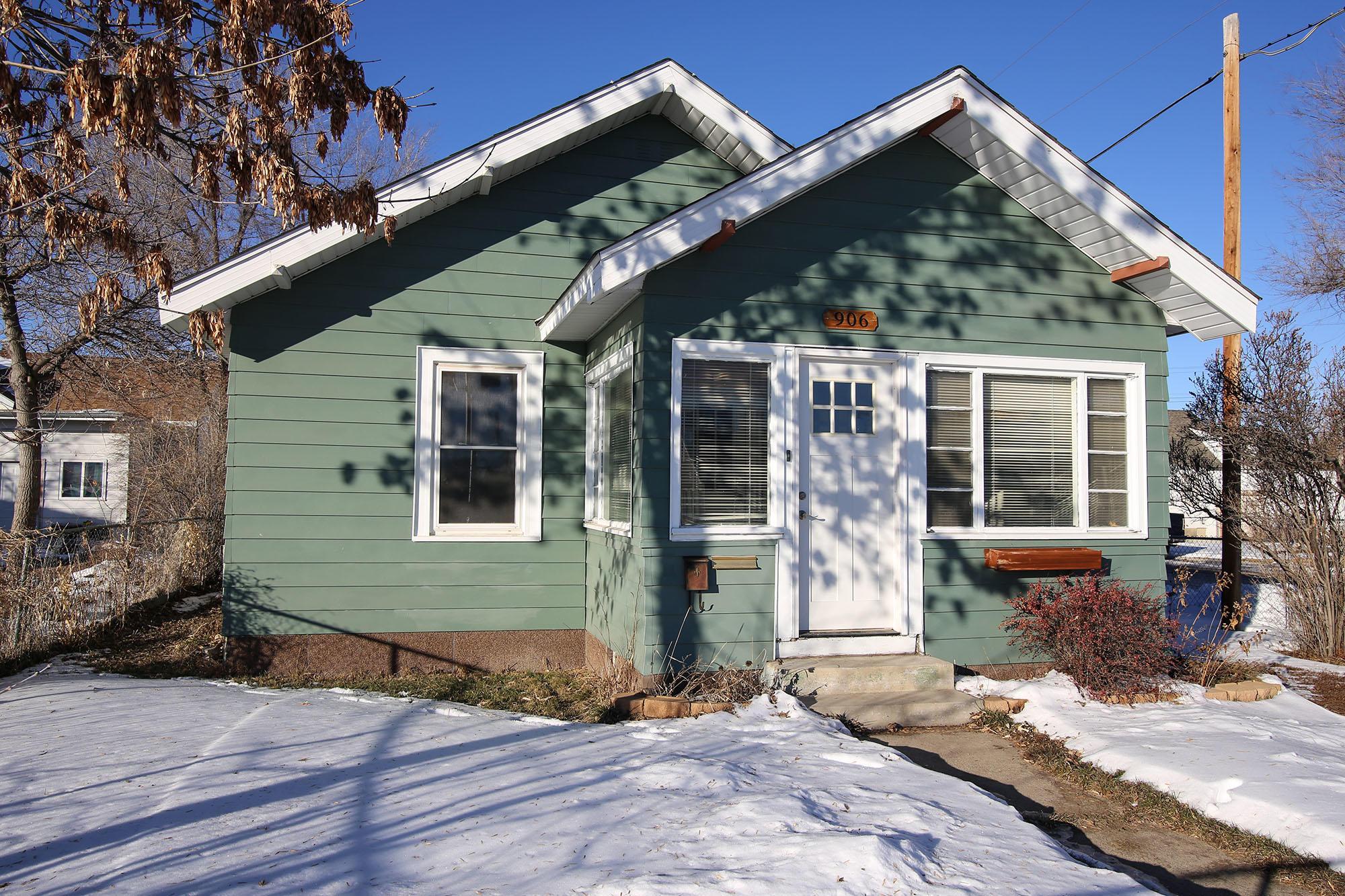 906 S Sheridan Avenue, Sheridan, Wyoming 82801, 2 Bedrooms Bedrooms, ,1 BathroomBathrooms,Residential,For Sale,Sheridan,19-36