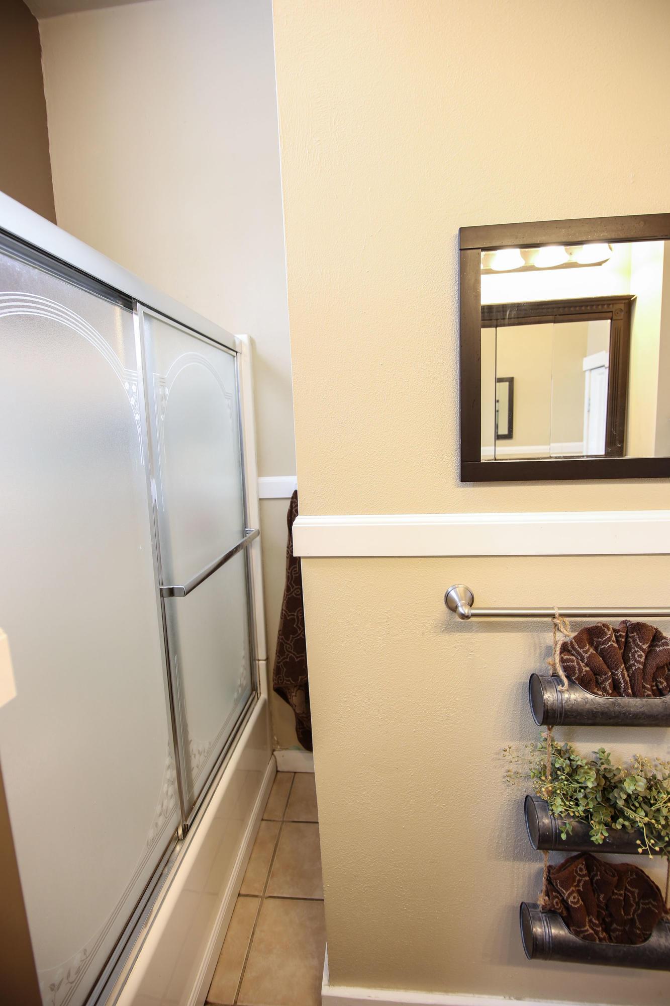 911 11th Street, Sheridan, Wyoming 82801, 4 Bedrooms Bedrooms, ,1.5 BathroomsBathrooms,Residential,For Sale,11th,19-42