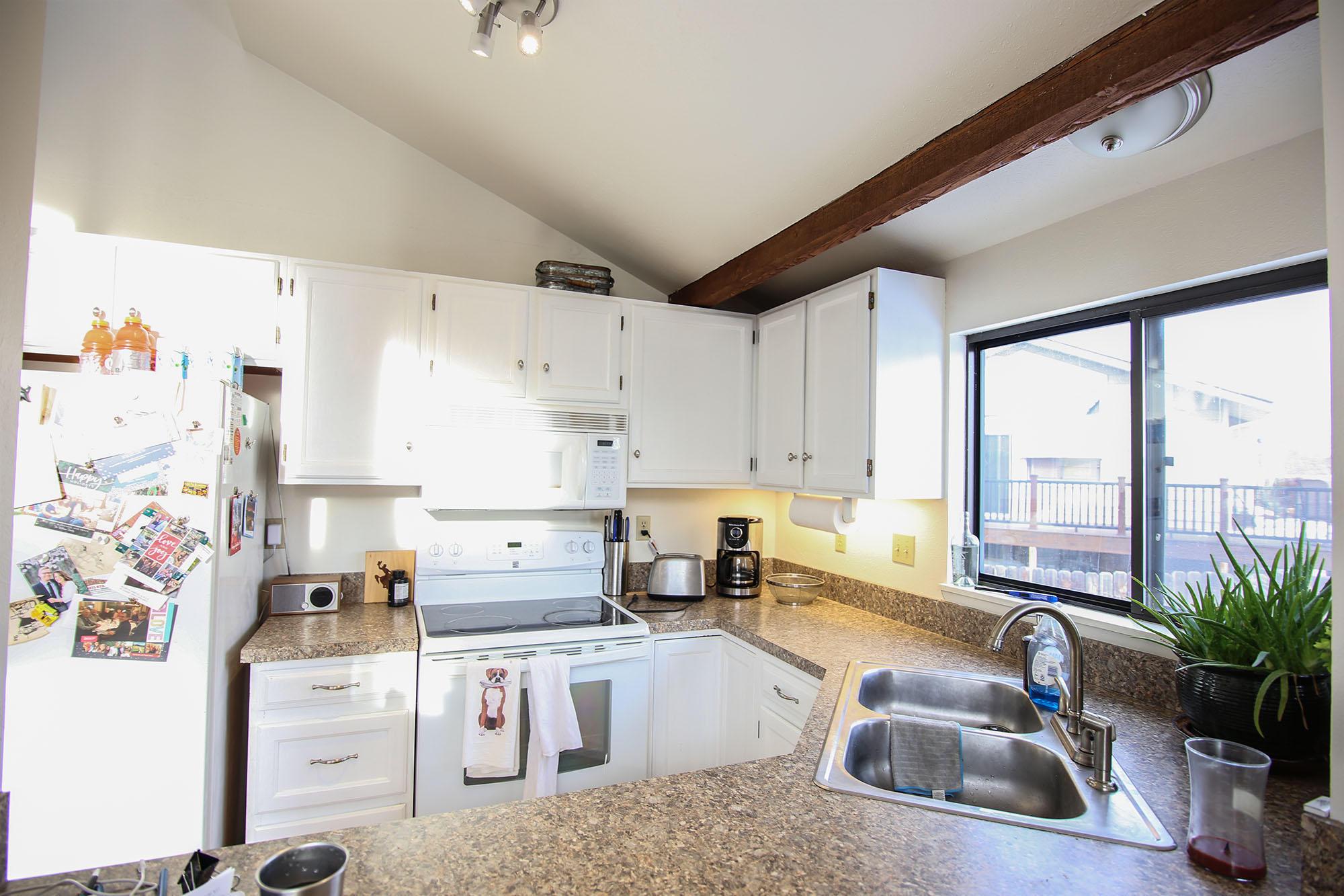 331 Pheasant Place, Sheridan, Wyoming 82801, 3 Bedrooms Bedrooms, ,2 BathroomsBathrooms,Residential,For Sale,Pheasant,19-43