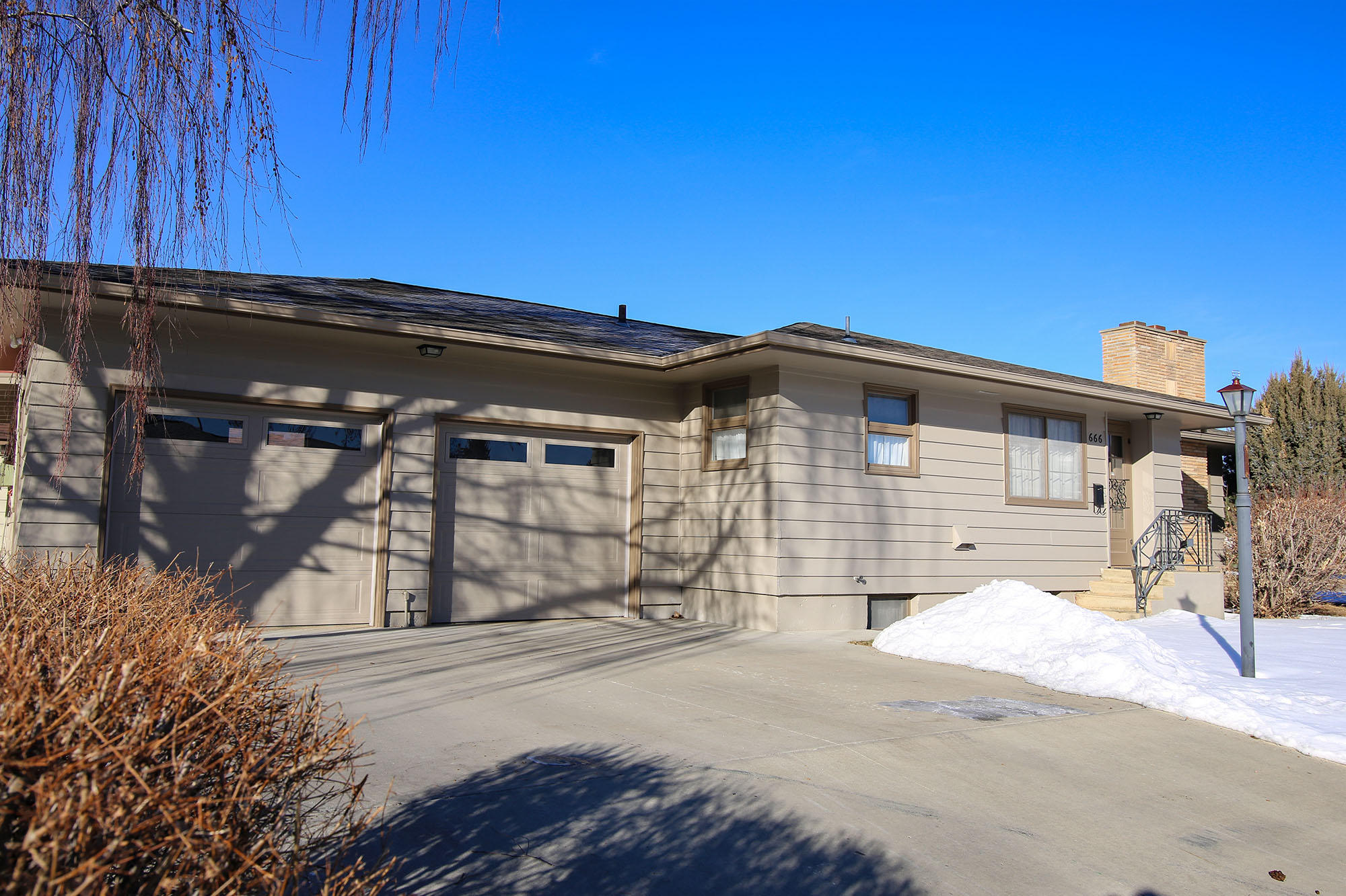 666 Exeter Avenue, Sheridan, Wyoming 82801, 3 Bedrooms Bedrooms, ,2 BathroomsBathrooms,Residential,For Sale,Exeter,19-52