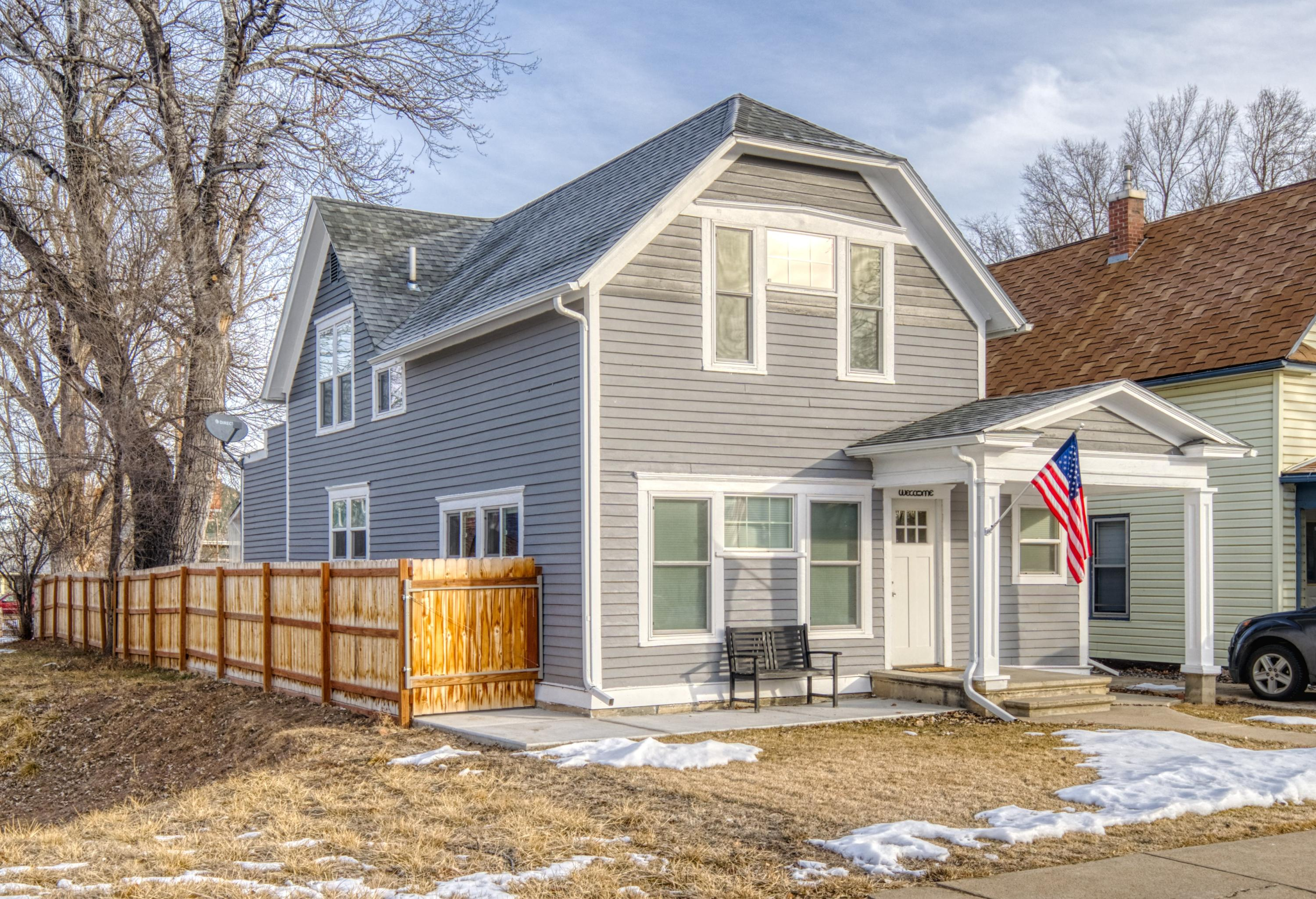 425 W Works Street, Sheridan, Wyoming 82801, 4 Bedrooms Bedrooms, ,2 BathroomsBathrooms,Residential,For Sale,Works,19-84