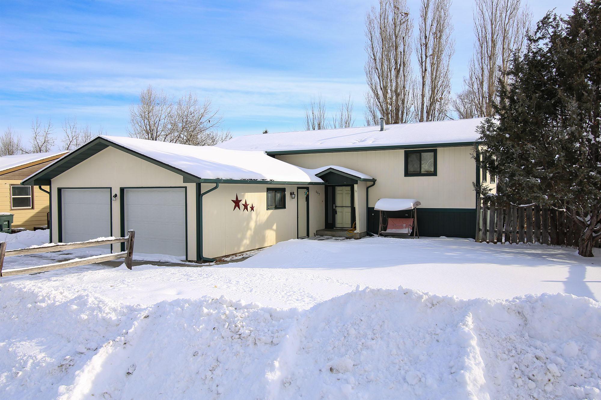 557 Michael Drive, Sheridan, Wyoming 82801, 3 Bedrooms Bedrooms, ,3 BathroomsBathrooms,Residential,For Sale,Michael,19-98