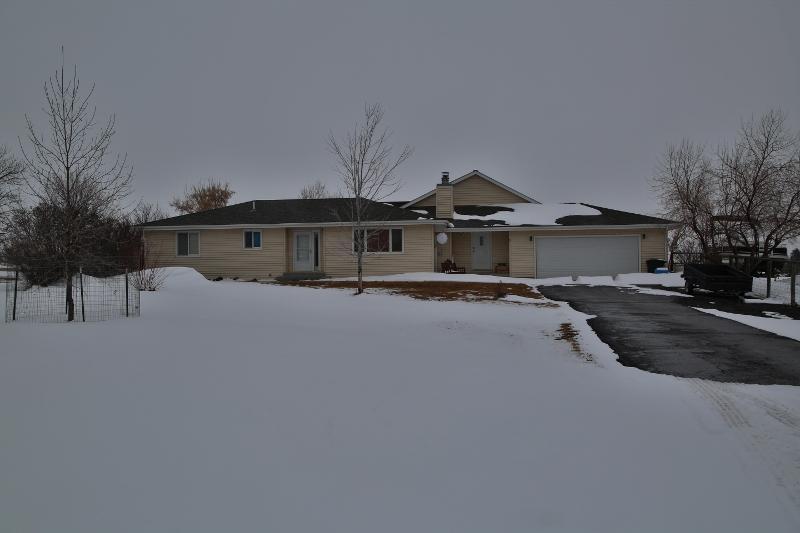 1 Piper Road, Sheridan, Wyoming 82801, 3 Bedrooms Bedrooms, ,3.5 BathroomsBathrooms,Residential,For Sale,Piper,19-102