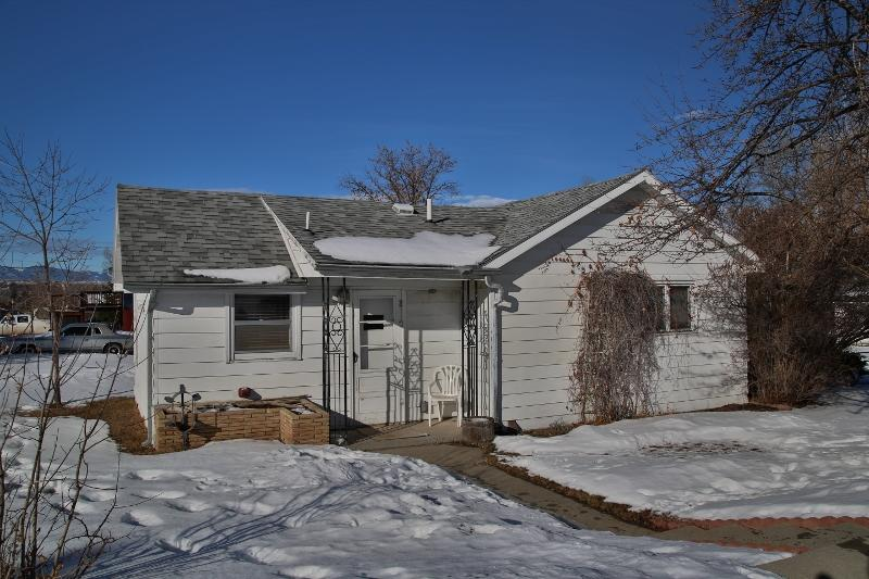 847 E 7th Street, Sheridan, Wyoming 82801, 3 Bedrooms Bedrooms, ,2 BathroomsBathrooms,Residential,For Sale,7th,19-126