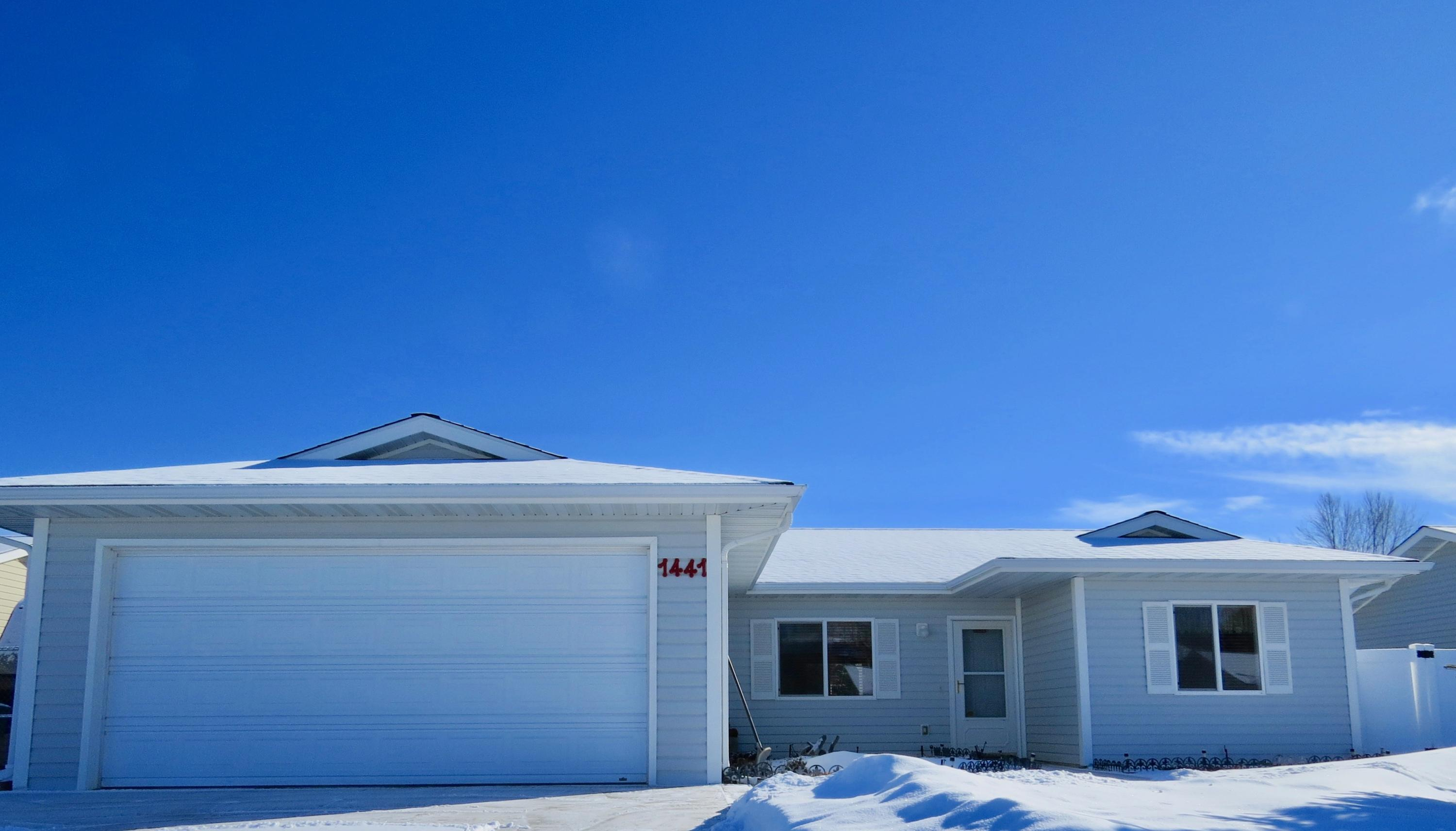 1441 Thomas Drive, Sheridan, Wyoming 82801, 3 Bedrooms Bedrooms, ,2 BathroomsBathrooms,Residential,For Sale,Thomas,19-146
