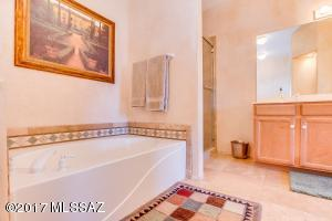 3 br Home in Oro Valley