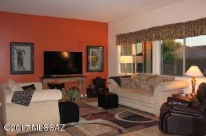 4 br Home in Marana