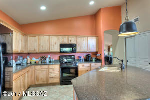 3 br Home in Green Valley