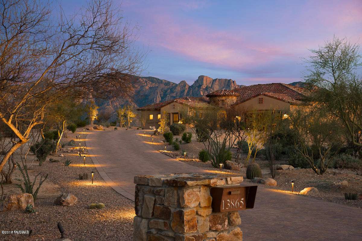 Photo of 13865 N Stone Gate Place, Oro Valley, AZ 85755
