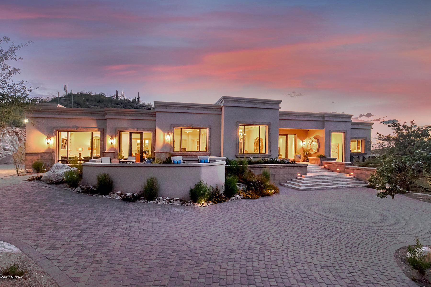 7518 N Secret Canyon Drive Tucson, AZ 85718
