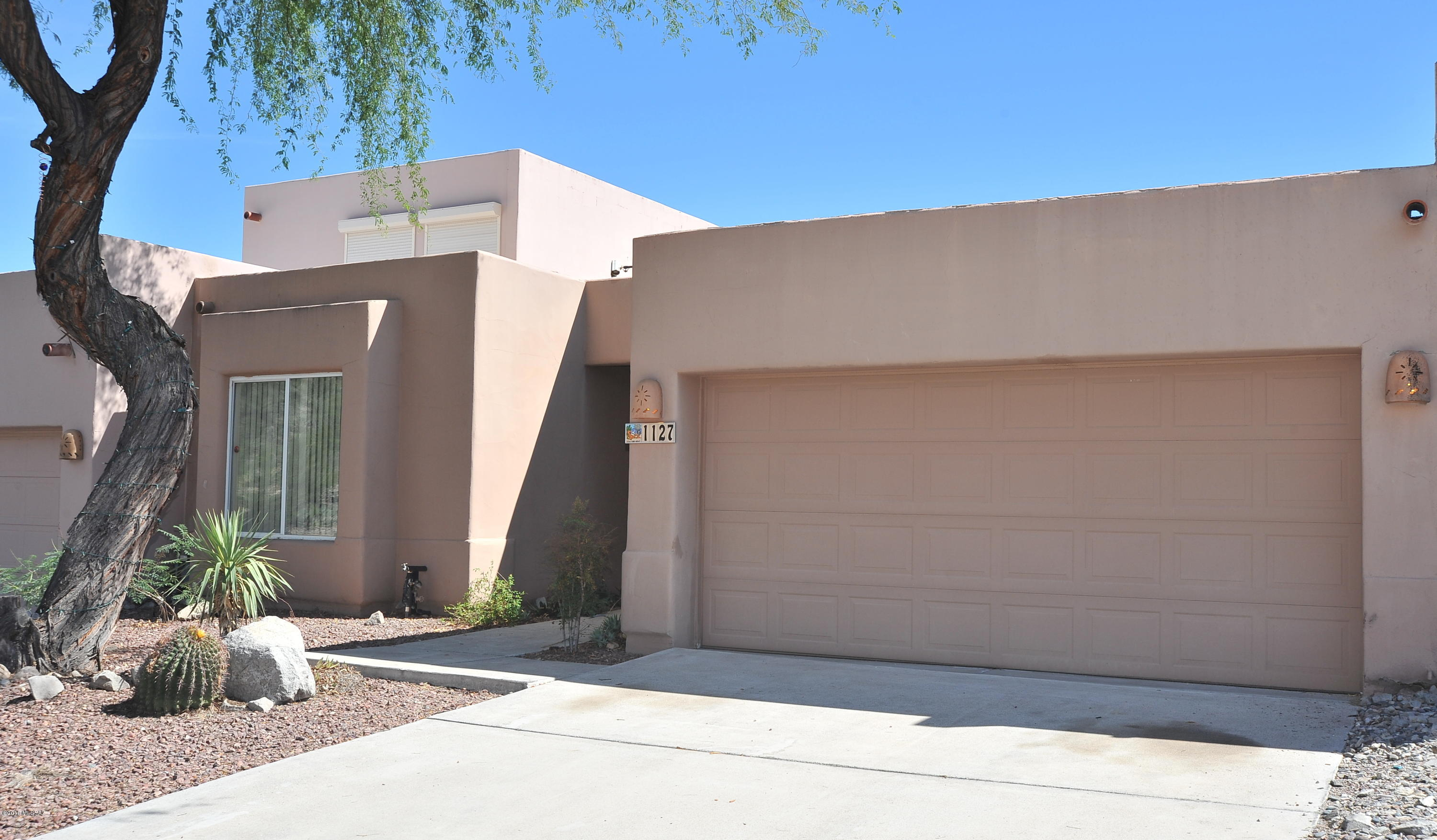 1127 S Antelope Meadows Loop Tucson, AZ 85745