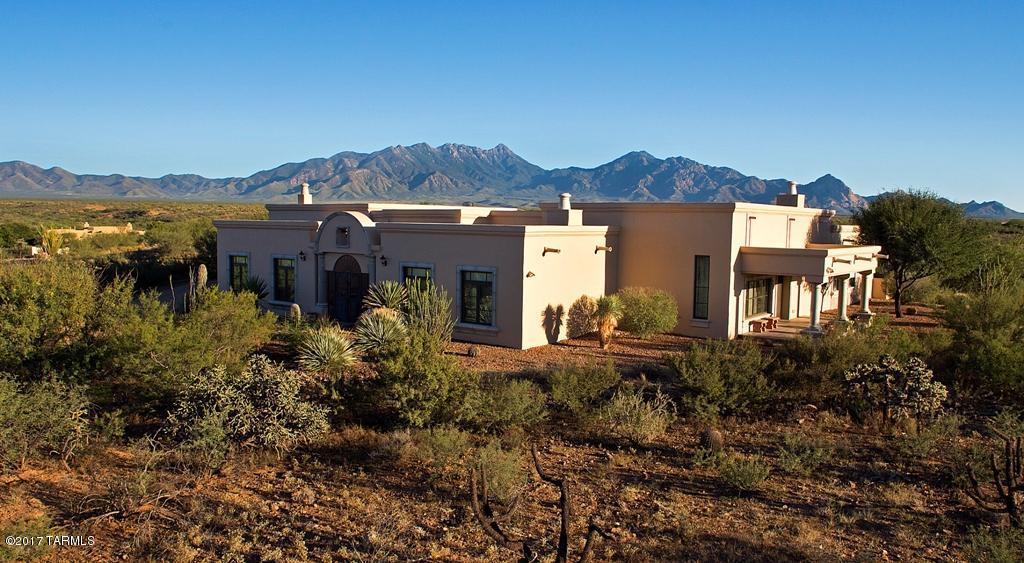 Photo of 616 E Bent Branch Place, Green Valley, AZ 85614