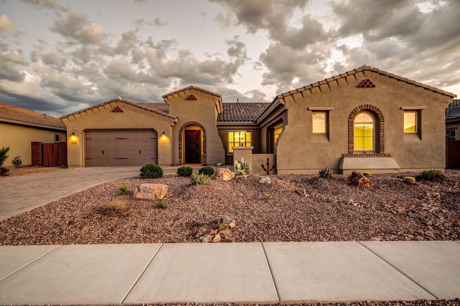 Photo of 13456 N Silver Cassia Place, Tucson, AZ 85755