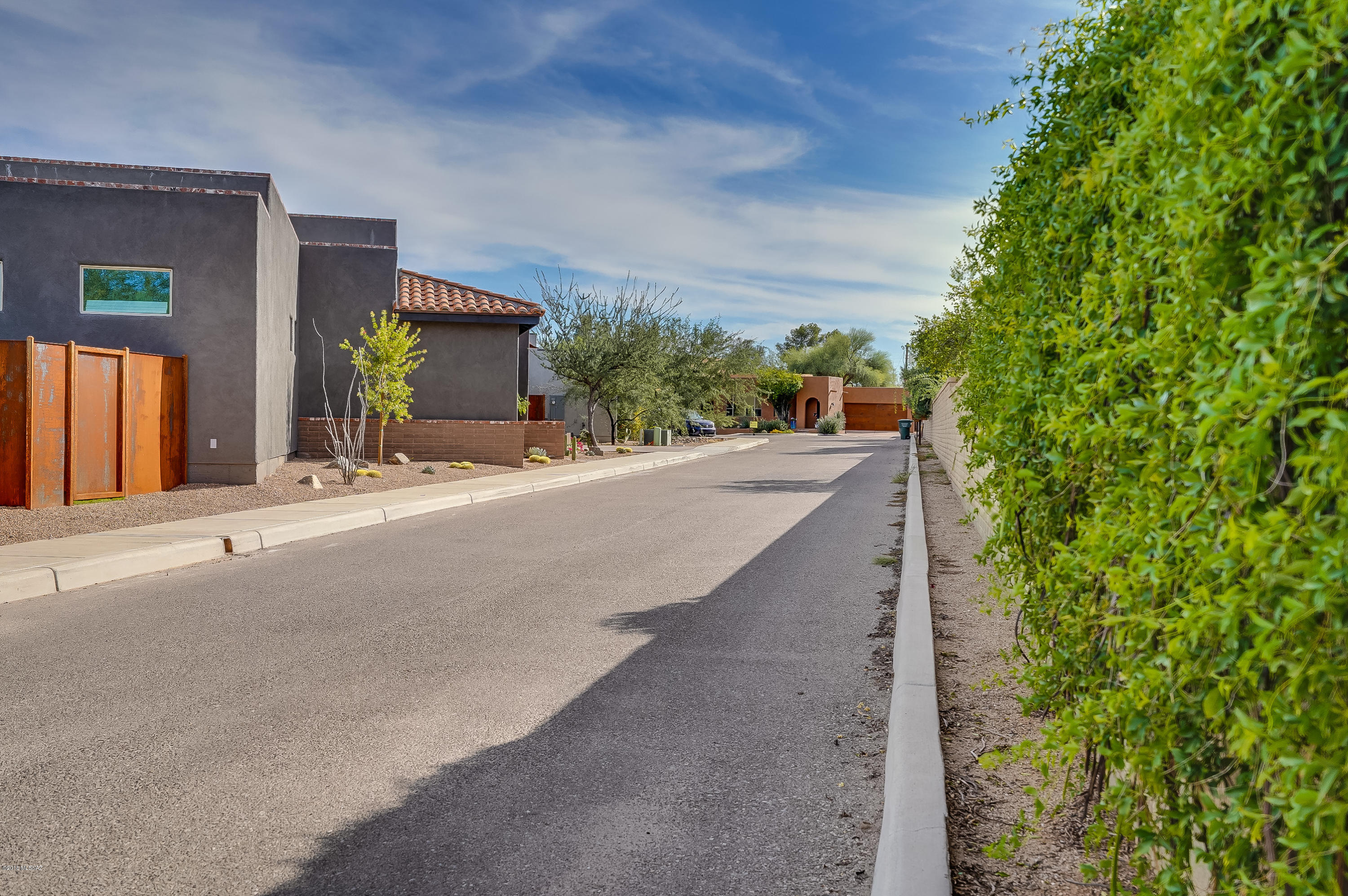 Photo of 2916 N Old Fort Lowell Court, Tucson, AZ 85712