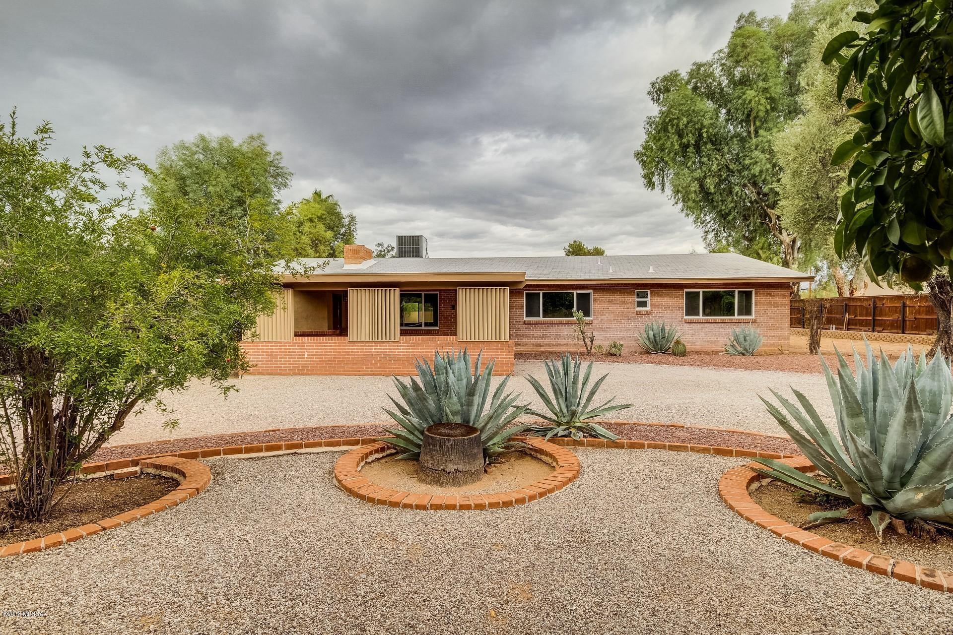 6421 E Shepherd Hills Tucson, AZ 85710