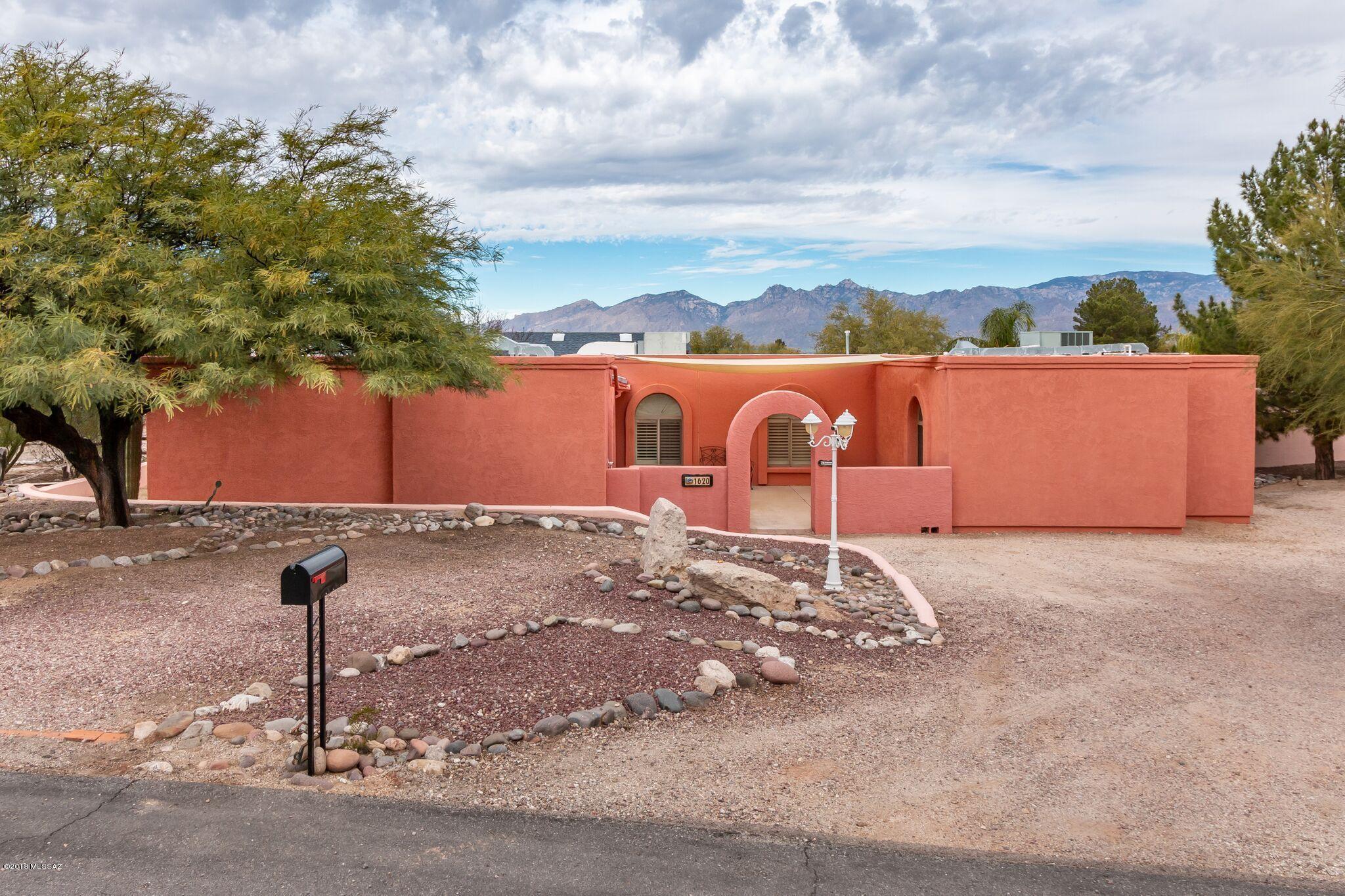 1620 S Barbados Place Tucson, AZ 85748