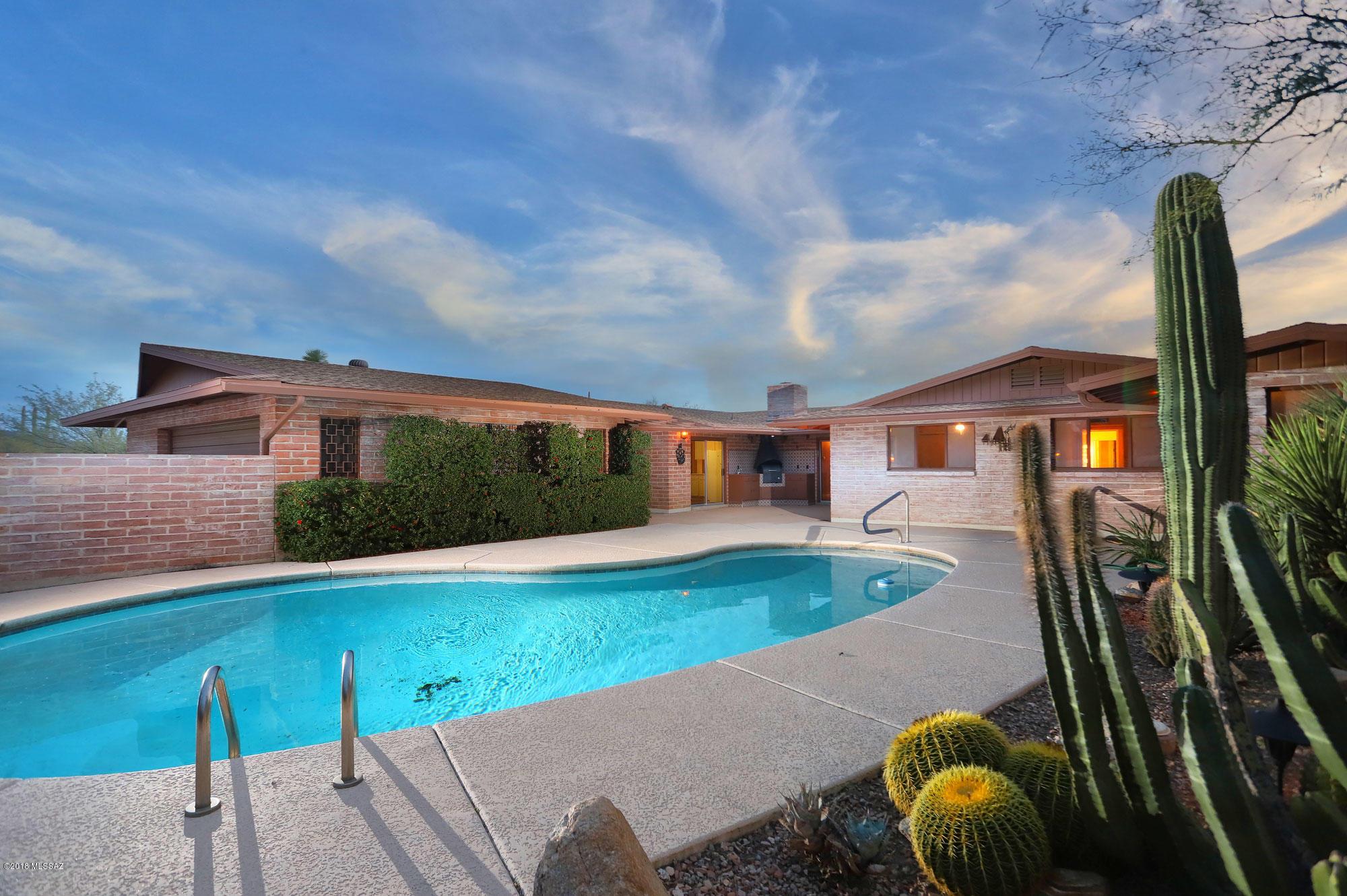 Photo of 6661 N Montezuma Drive, Tucson, AZ 85718