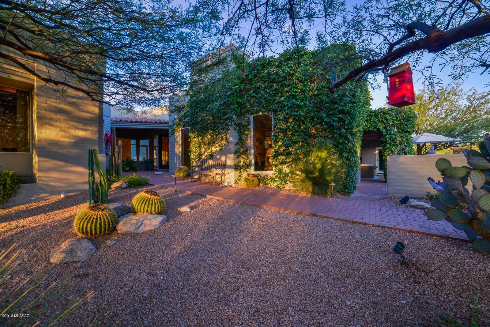 Photo of 5300 N Hacienda Del Sol Road, Tucson, AZ 85718