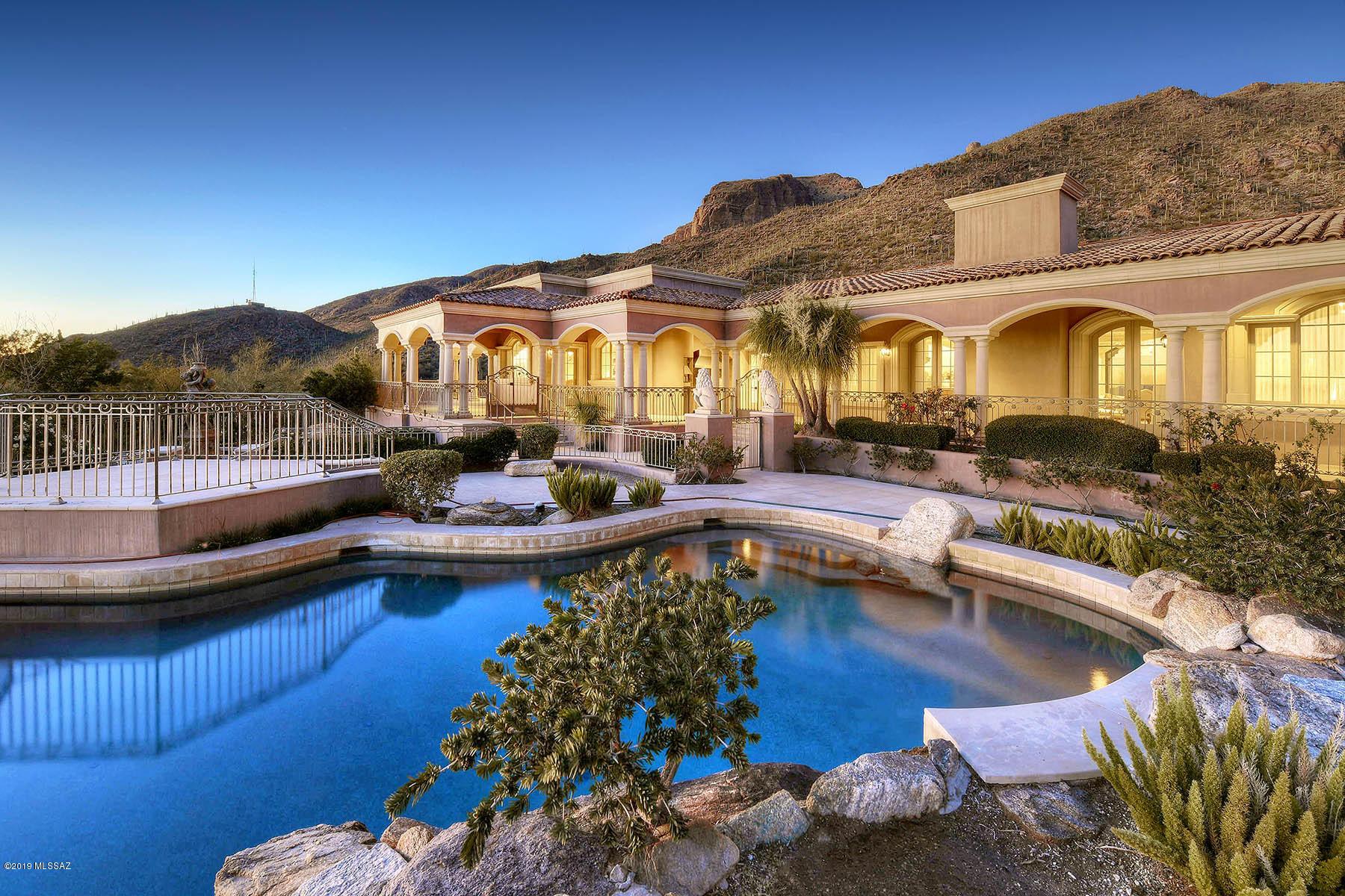 7582 N Secret Canyon Drive Tucson, AZ 85718